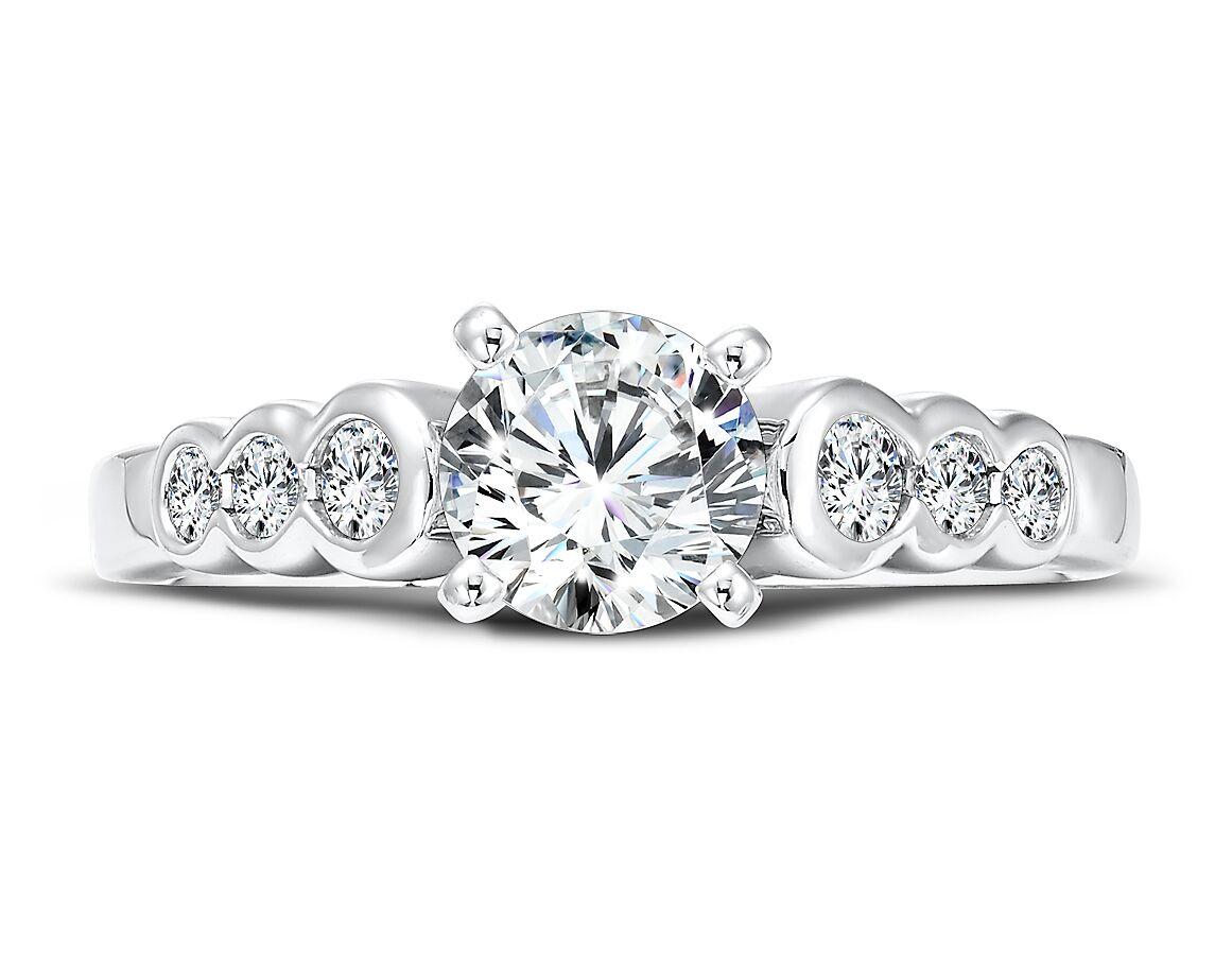 Custom Round Diamond Ring 3