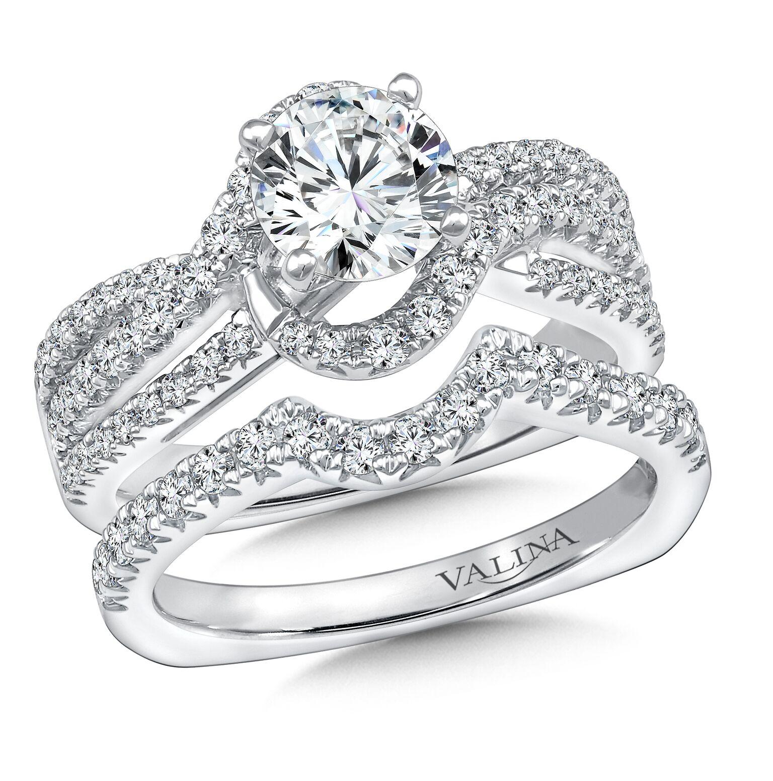 Custom Round Diamond Ring Dallas 1