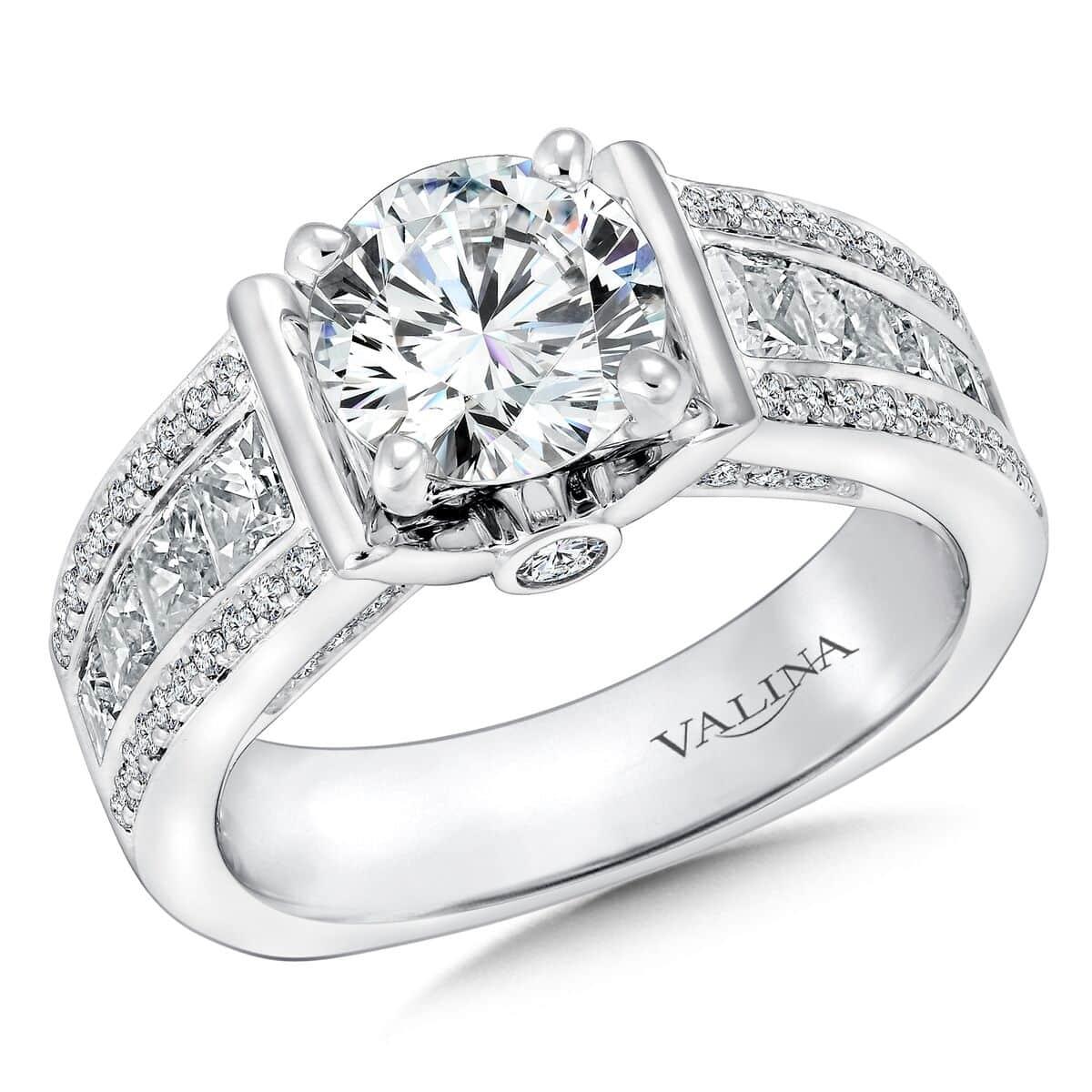 Custom_Round_Diamond_Engagement_rings_in_Dallas_texas_-_Wholesale_diamonds_and_Custom_diamond_Rigns_in_Dallas_texas