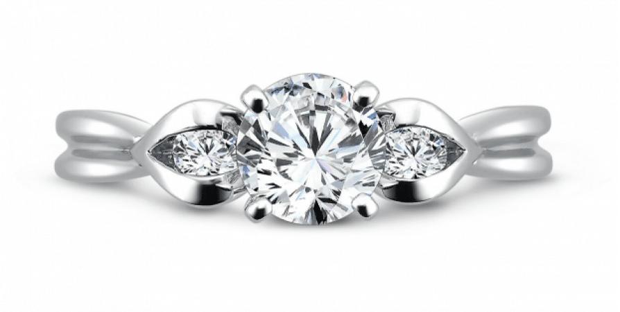 Custom_Three_Stone_Diamond_Rings_Dallas_3