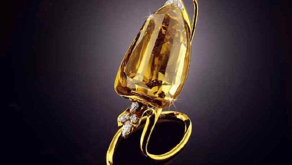 Incomparable-diamond